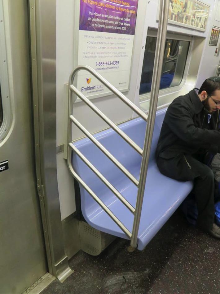ニューヨークの治安を改善させたデザイン_椅子
