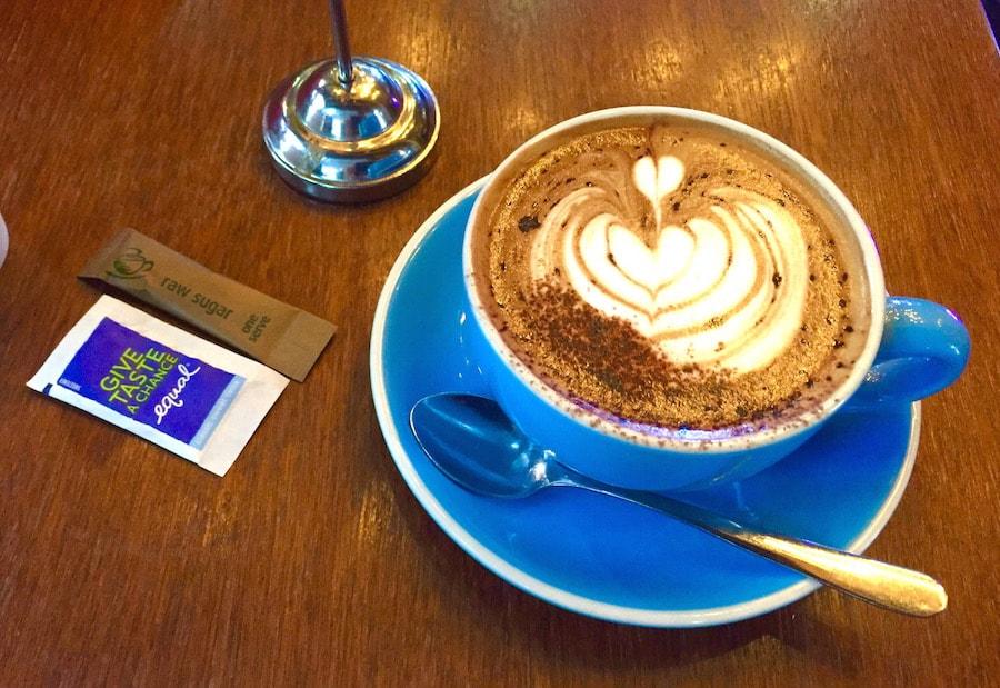カフェ2-min